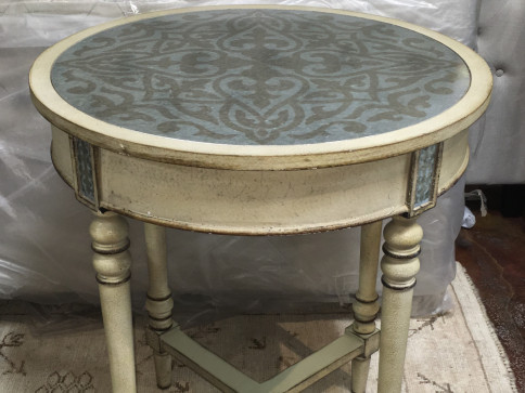 Ivory Table / Aluminum Clad Top w/Dark Gray Artwork